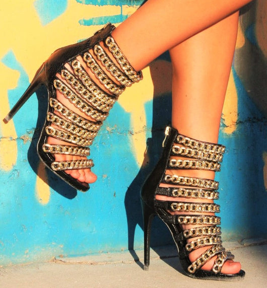 Chained Nelly Heel