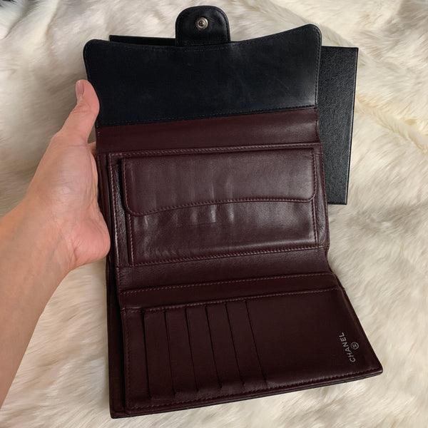 CHANEL AUTHENTIC BLACK LAMBSKIN TRIFOLD WALLET
