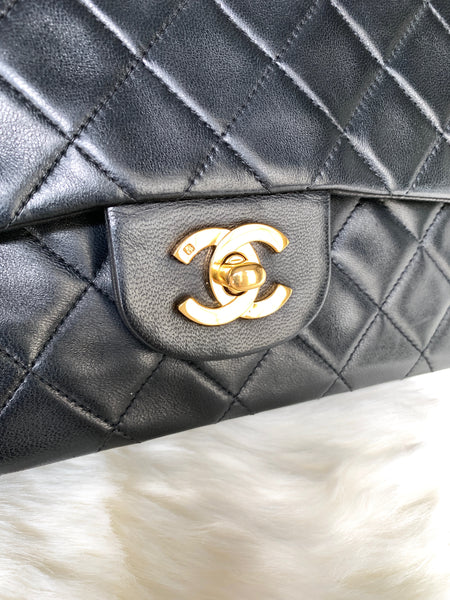 CHANEL VINTAGE CLASSIC QUILTED DOUBLE FLAP SMALL LAMBSKIN GHW (2154512)