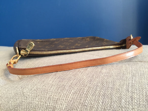 LOUIS VUITTON AUTHENTIC POCHETTE ACCESSOIRES MONOGRAM (AR0060)