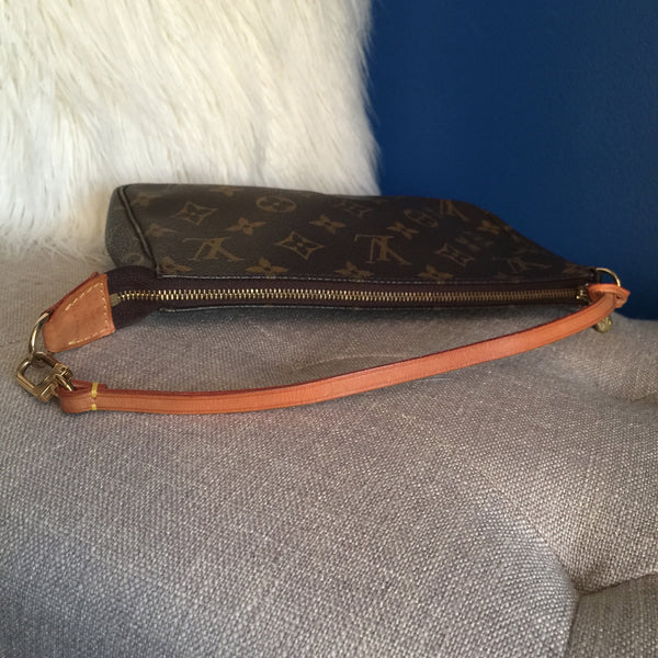 LOUIS VUITTON AUTHENTIC POCHETTE ACCESSOIRES MONOGRAM (AR0919)
