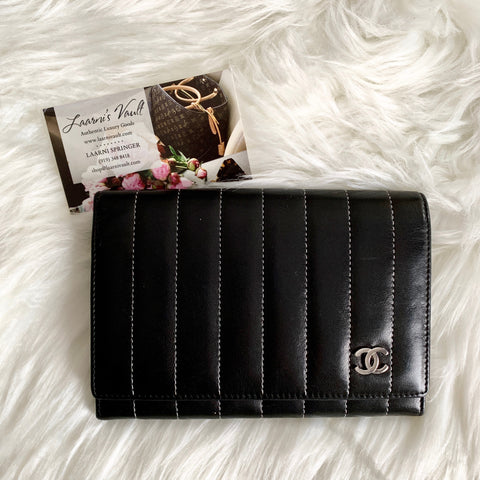 CHANEL WALLET STRIPED