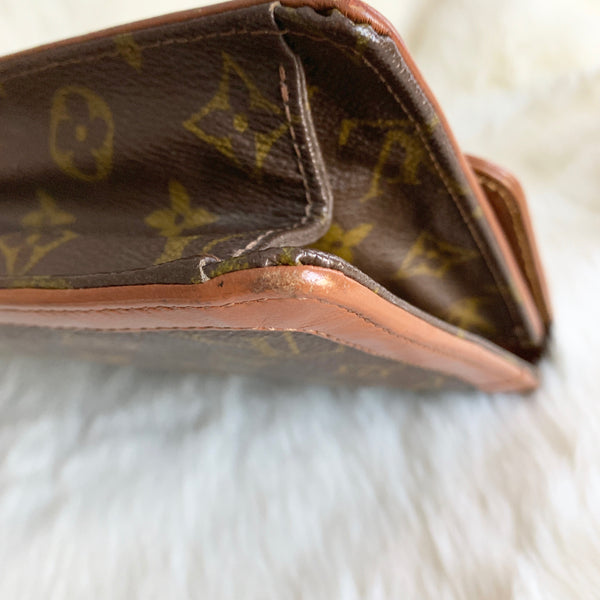 LOUIS VUITTON AUTHENTIC CLUTCH MONOGRAM VINTAGE (821)