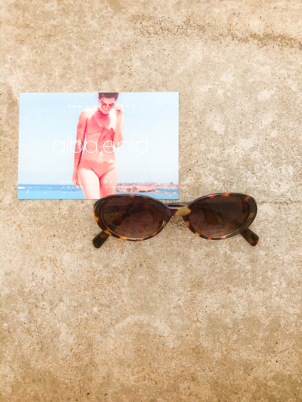 sunnies - twiggy vibes resin tortoise