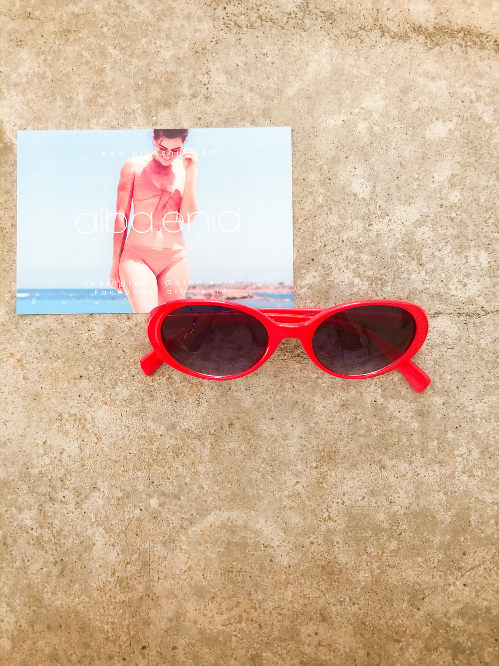 sunnies - twiggy vibes red