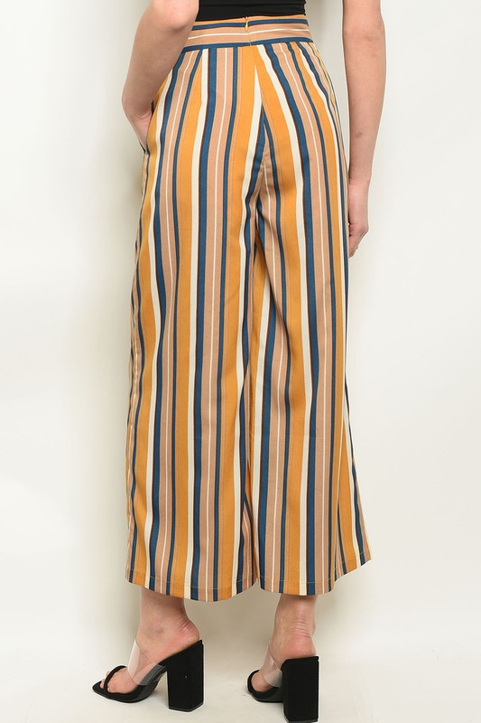 Styled - wide leg striped pants