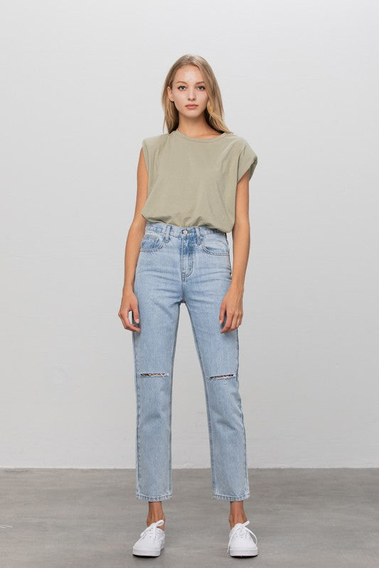 Styled - high-waisted jeans