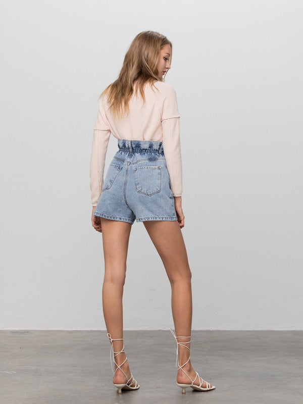 Styled - high-waisted jean shorts