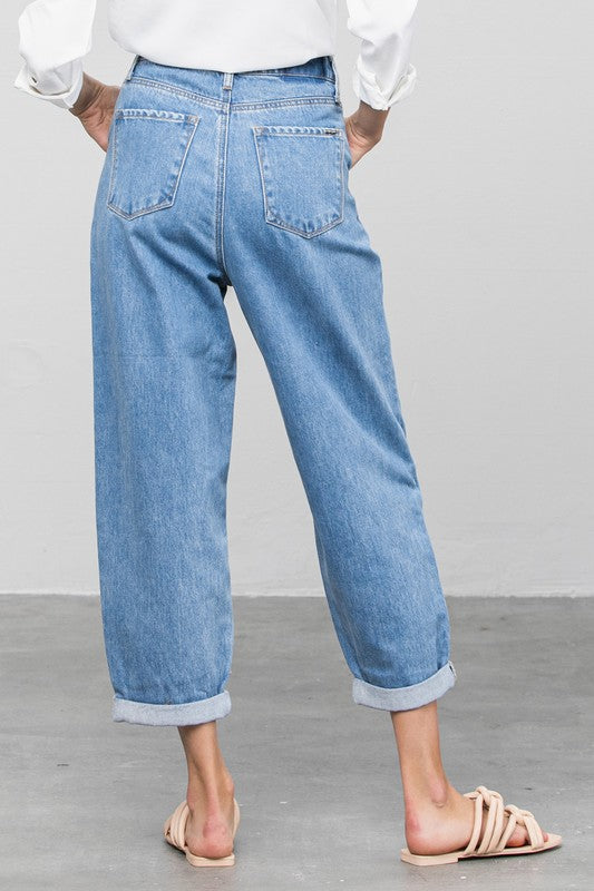 Styled - slouchy high-waisted jeans