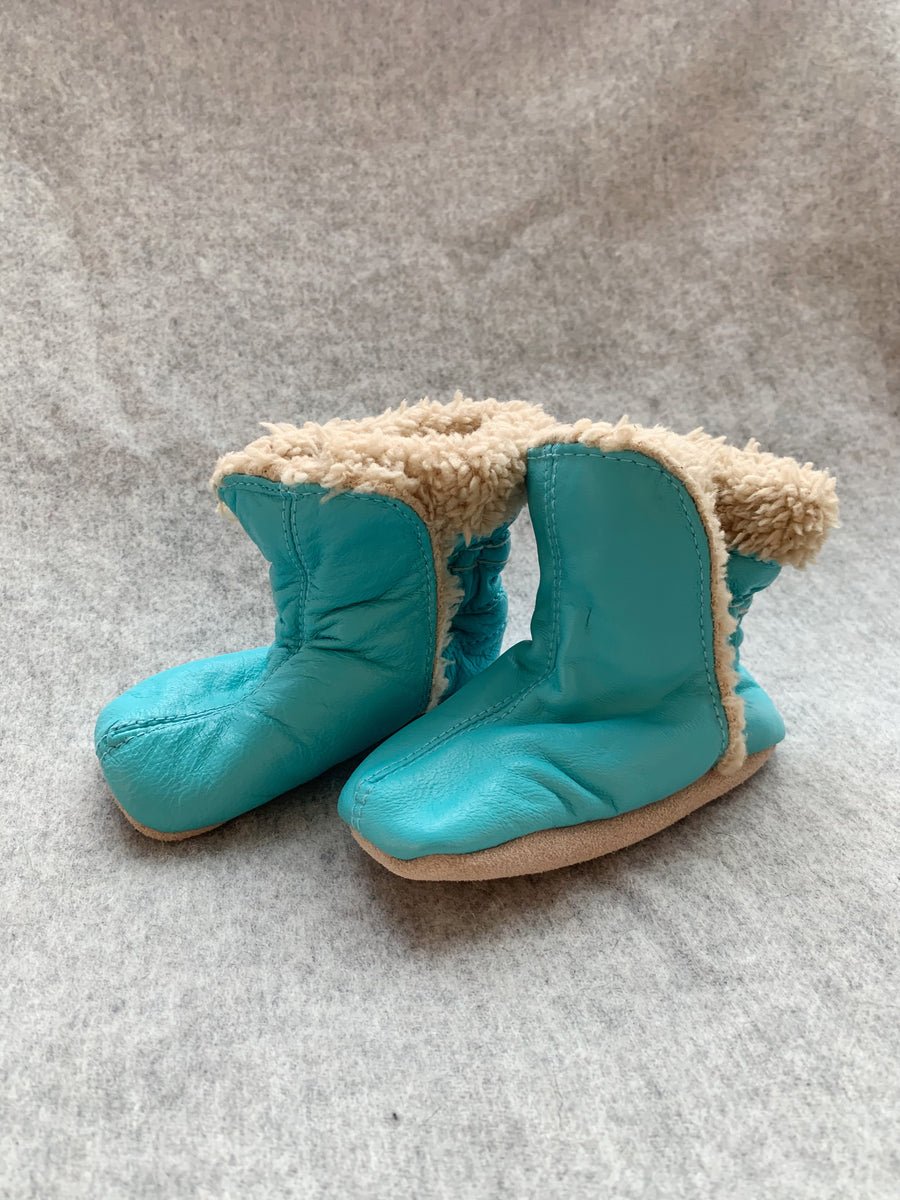 FUR LINED TURQUOISE FUR LINED BOOTIE