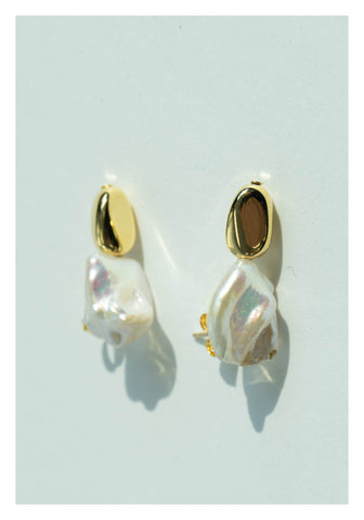 Small Baroque Pearl With Blan Earrings