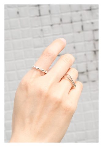 925 Silver Oval Dot Ring - whoami