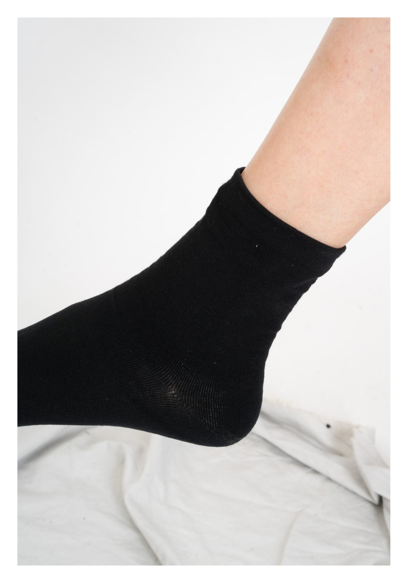 Basic Plain Socks Black - whoami