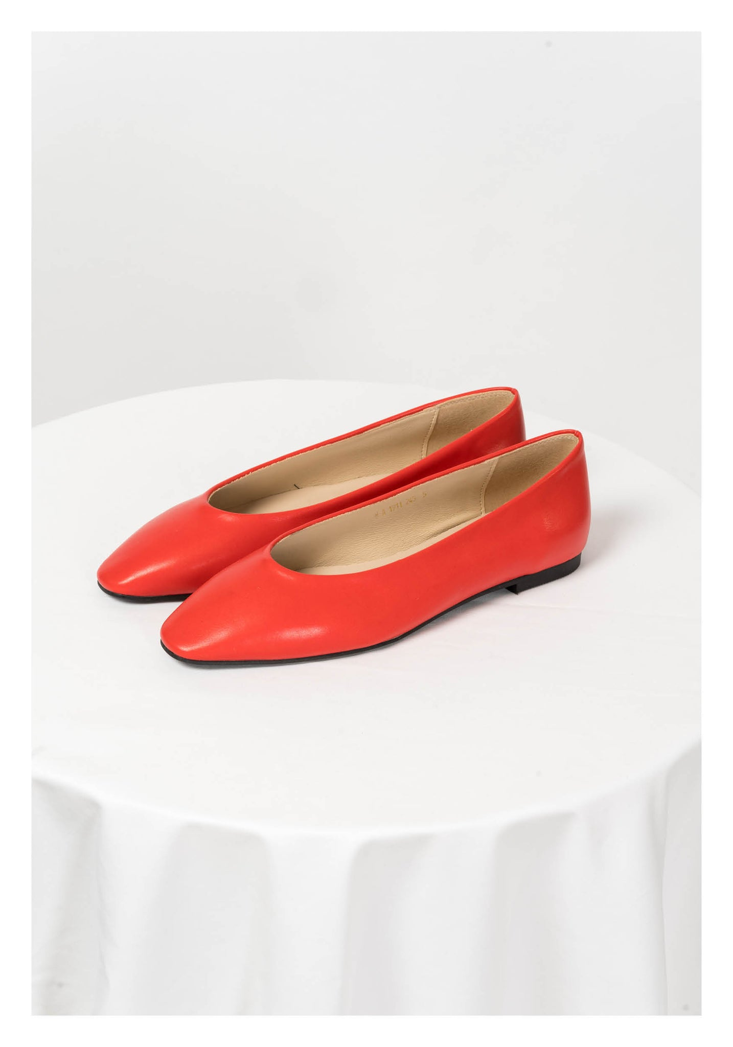 Basic Pointed Flats Red