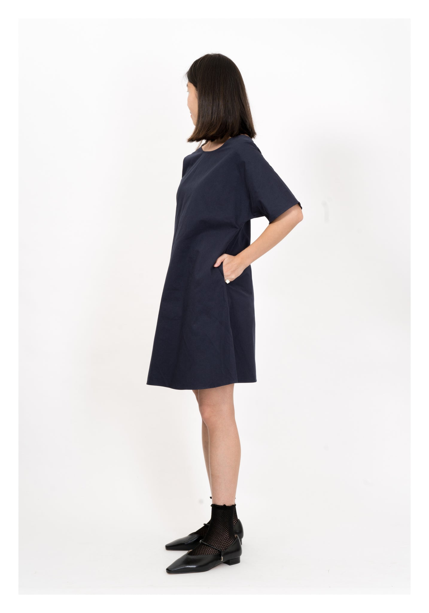 Back V Slim Cut Short Dress Navy