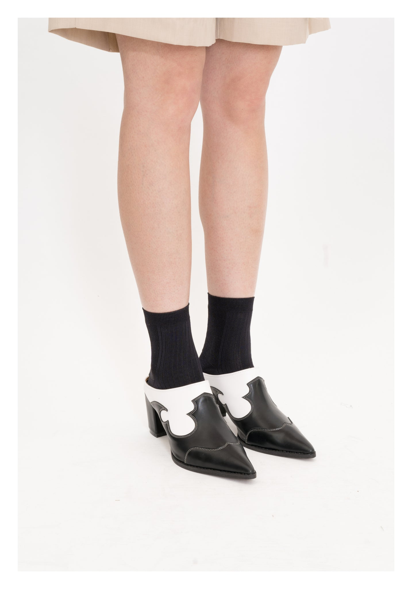 Basic Silky Ribbed Socks Black - whoami