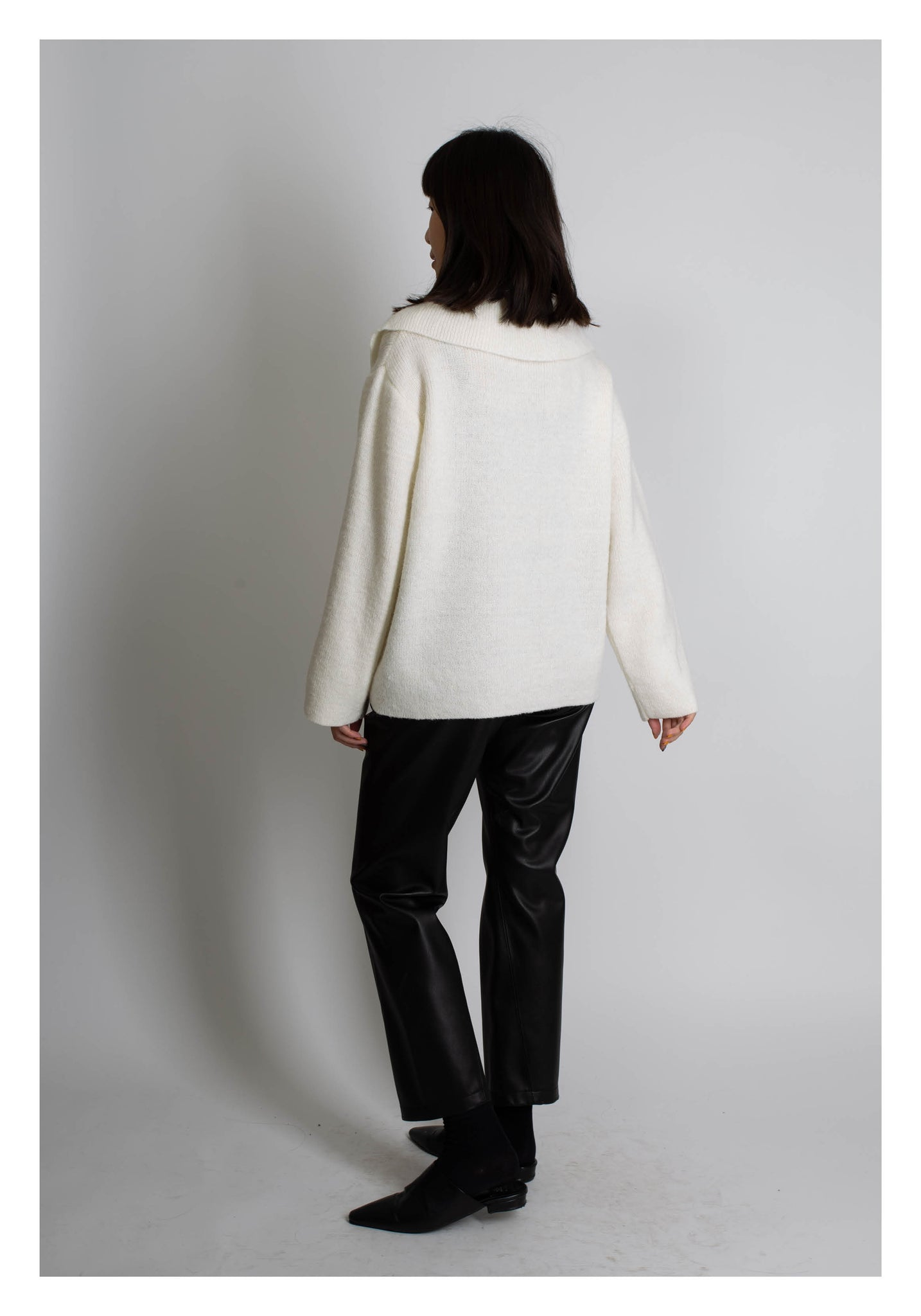 Collar Button Relaxing Knit Top White - whoami
