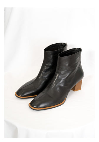 Contrast Edge Leather Boots - whoami
