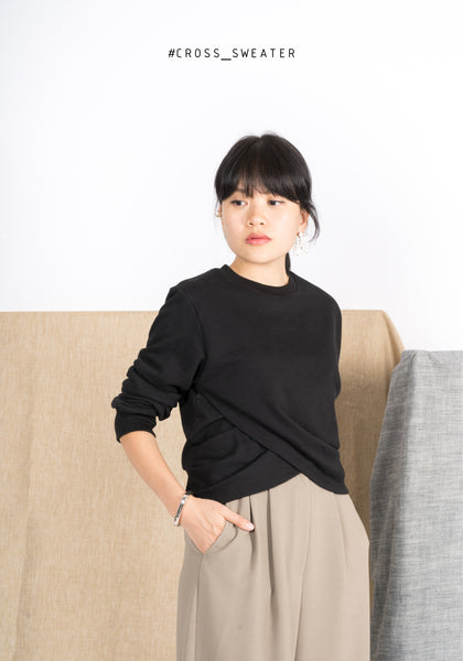 Cross Sweater Black