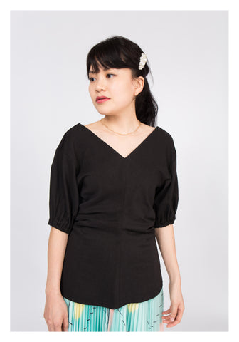 Double V Slim Cut Top Black - whoami