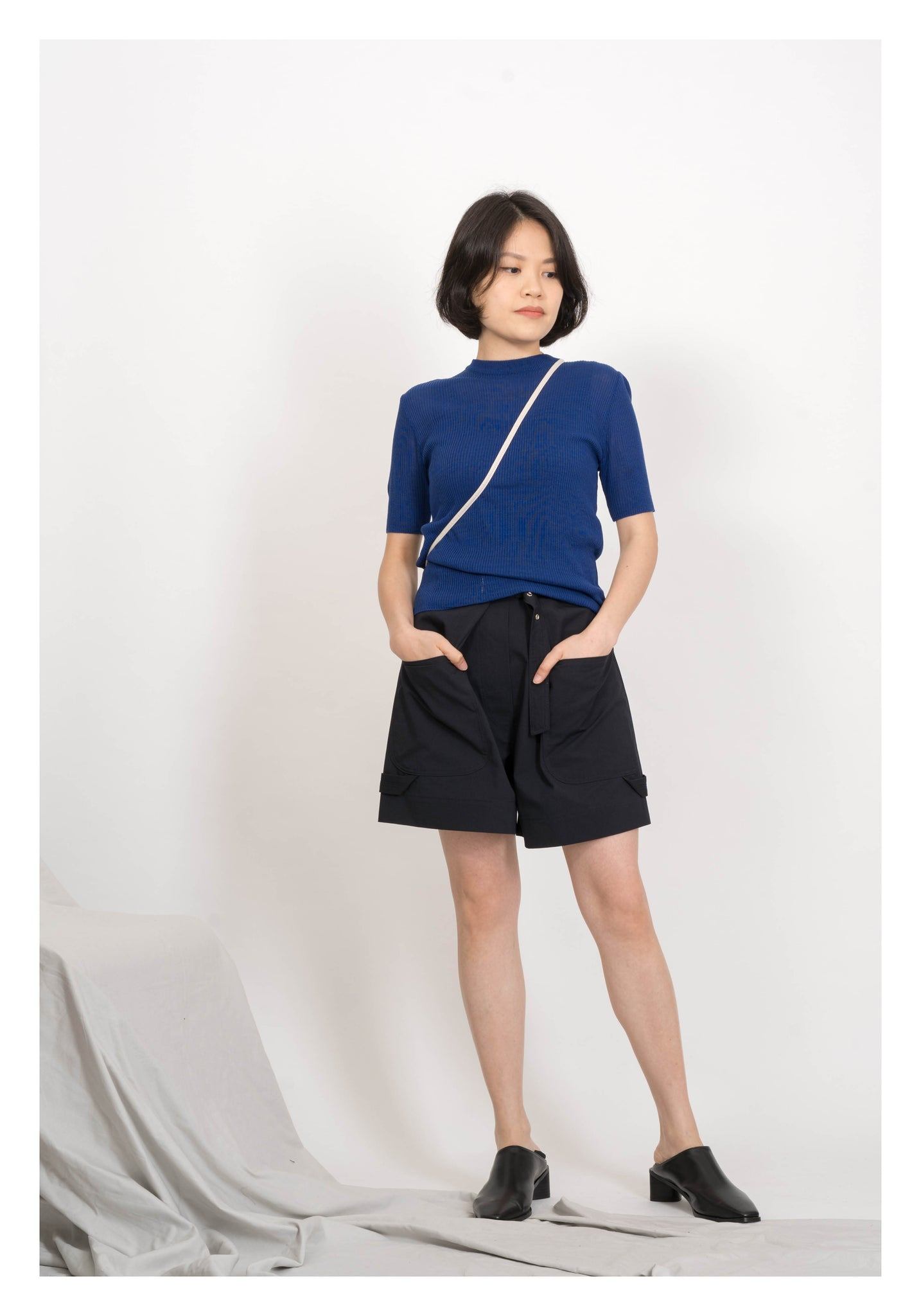 Essential Crew Neck Knit Top Blue - whoami