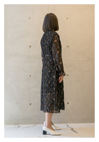 Floral Pleated Tie Dress Black