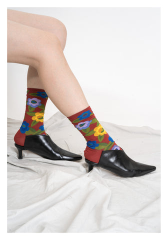 Flower Pattern Socks Crimson - whoami