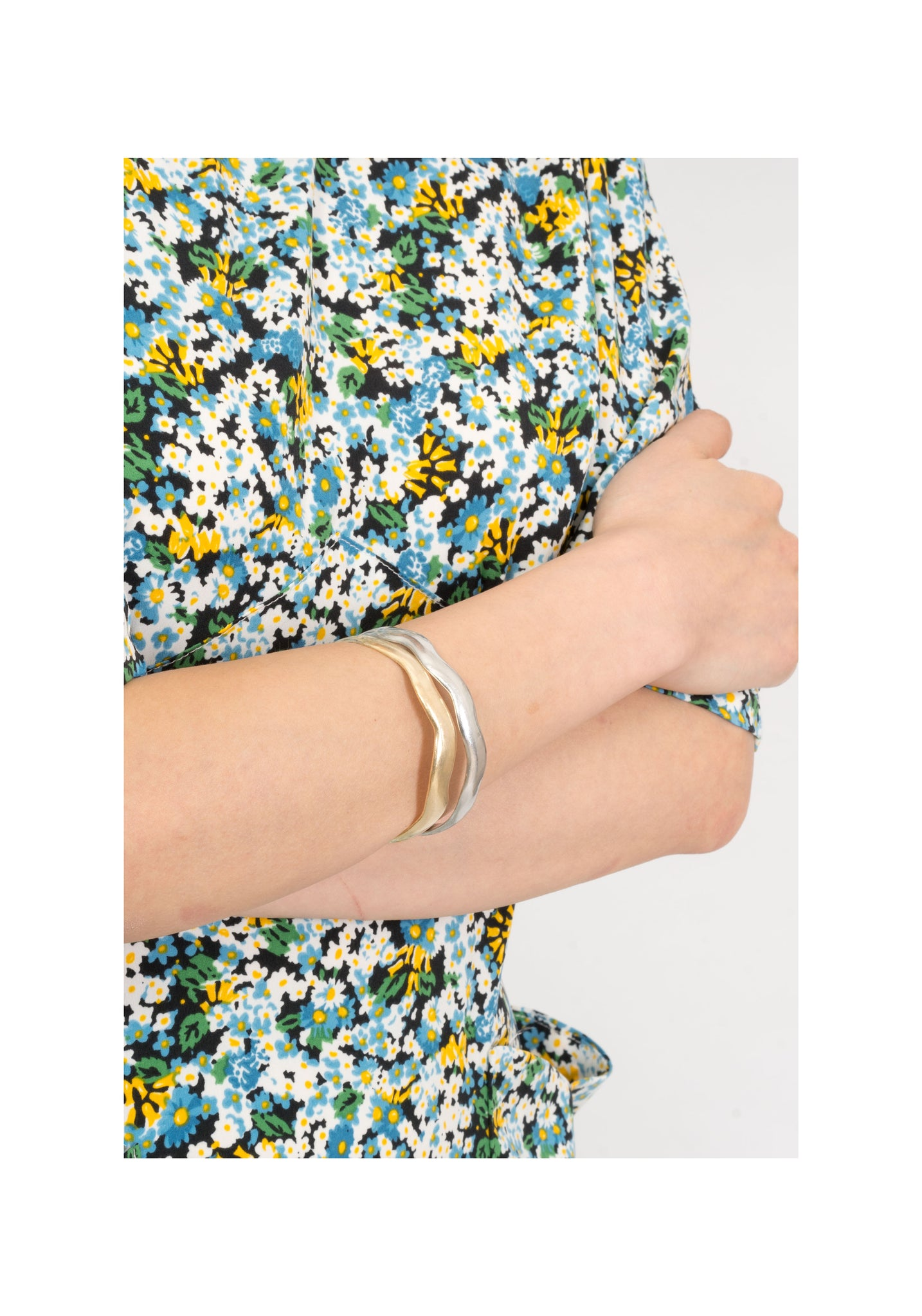 Wave Bangle Matt Gold - whoami