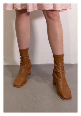 Fit Leather Wooden Heels Boots Brown - whoami