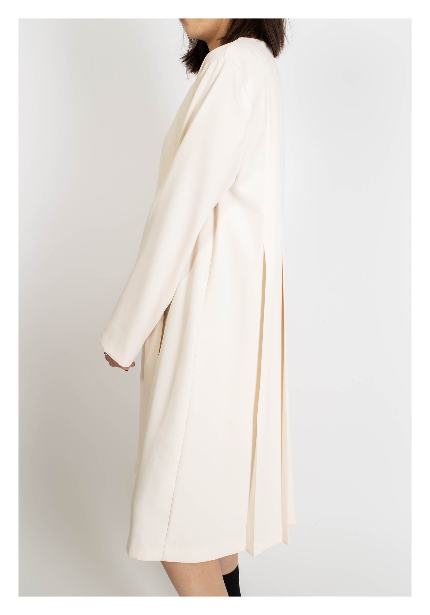 Full Box Pleated Dress White - whoami
