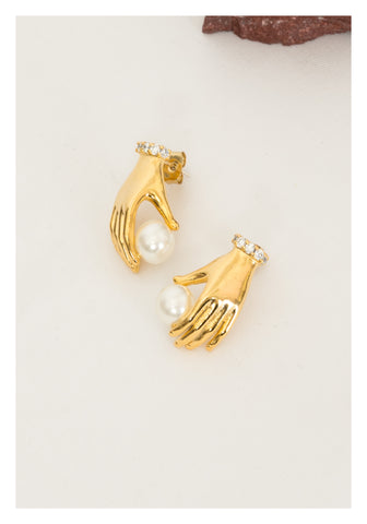 Hand and Pearl Earring Gold - whoami