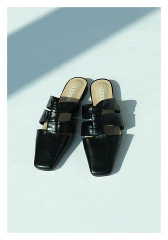 Knot On Knot Mules Black - whoami