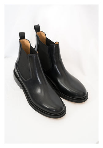Leather Modern Chelsea Boots