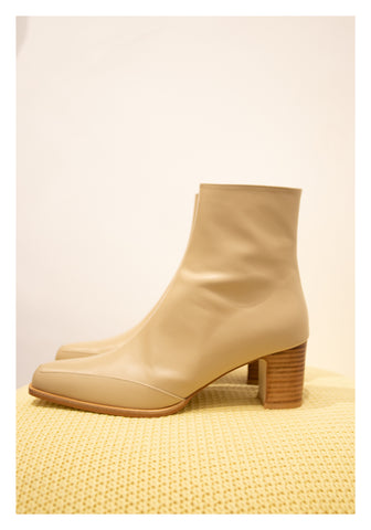 Leather Taper Head Boots Ivory - whoami