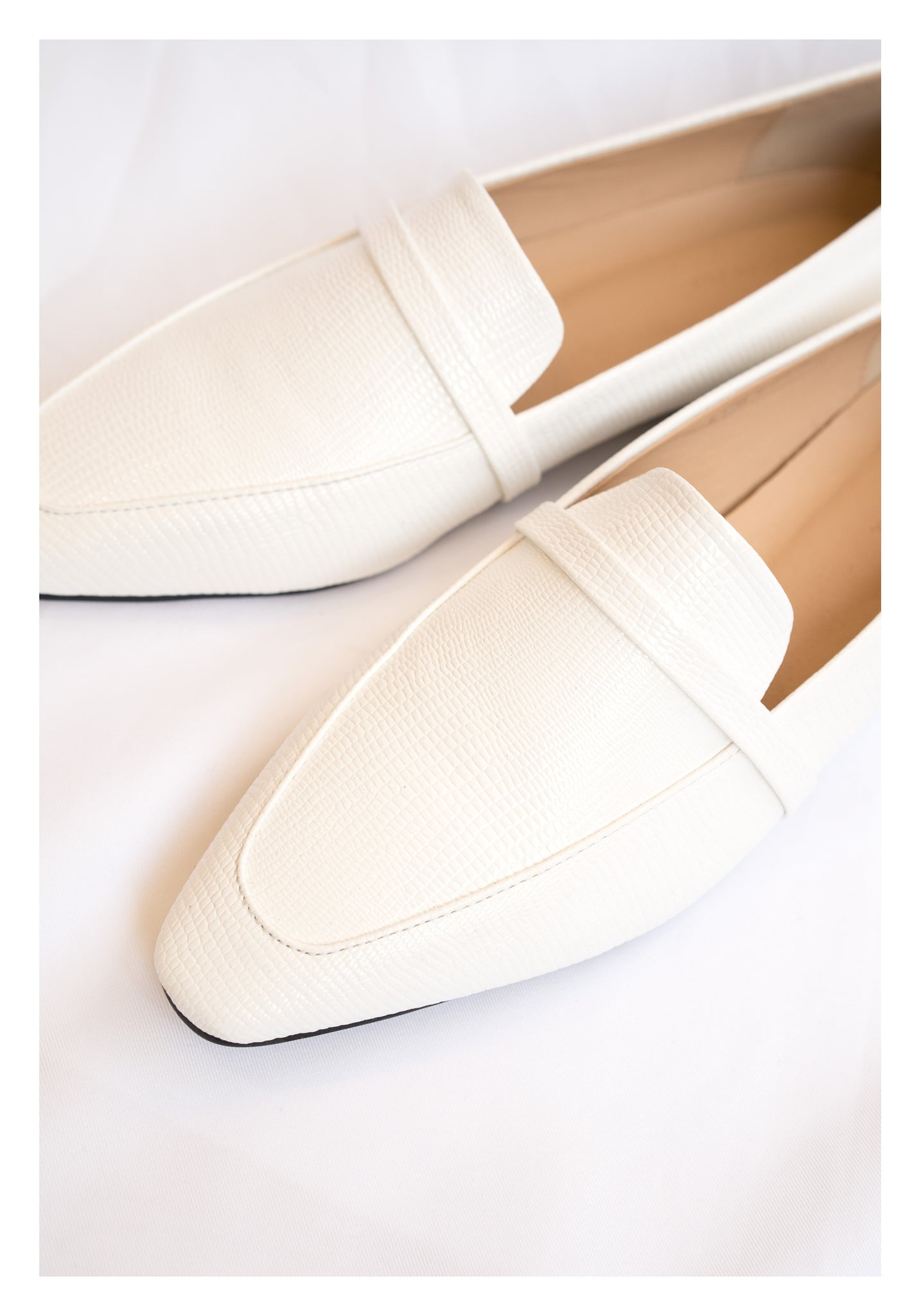 Lizard Effect Modern Loafers White - whoami