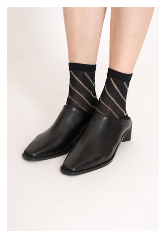 Oblique Sheer Socks Black - whoami