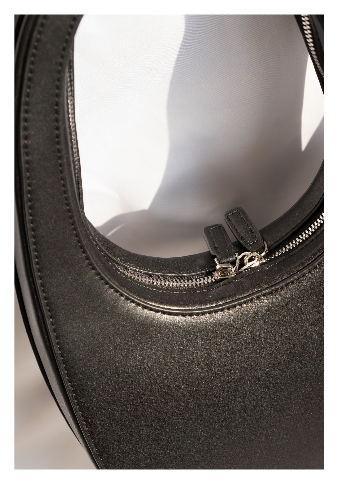 Oval Egg Leather Bag Black - whoami