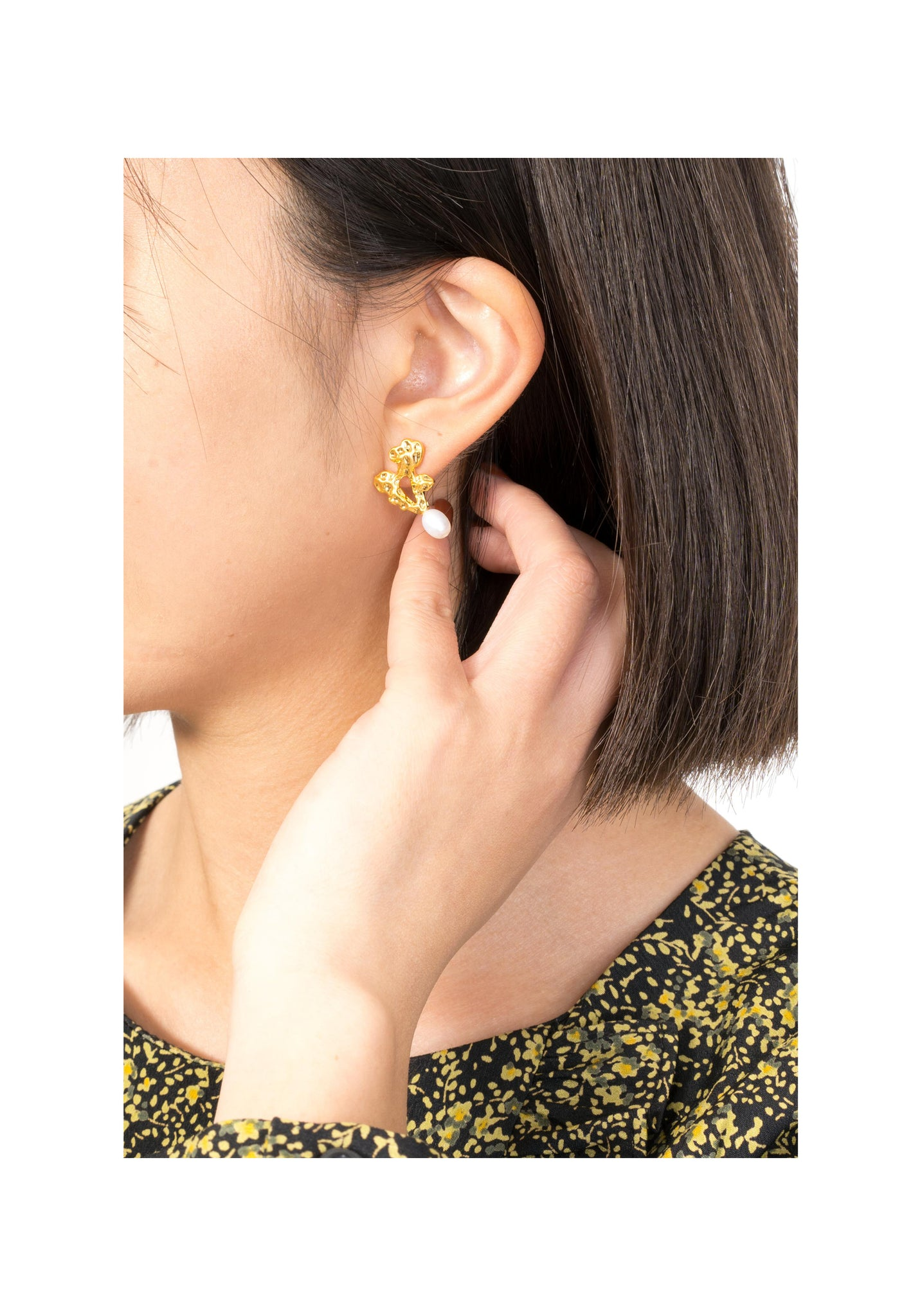 Golden Coral Pearl Earrings - whoami