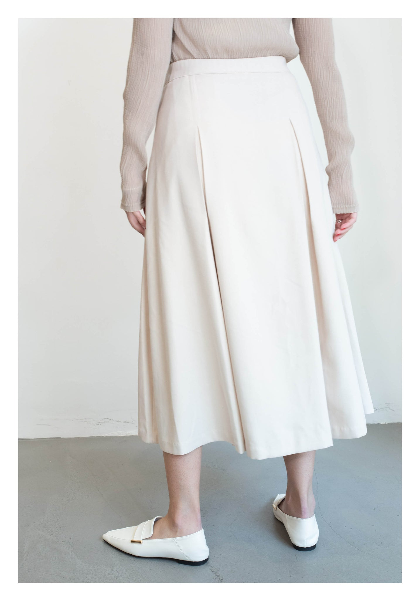 Side Pleated Skirt Ivory - whoami