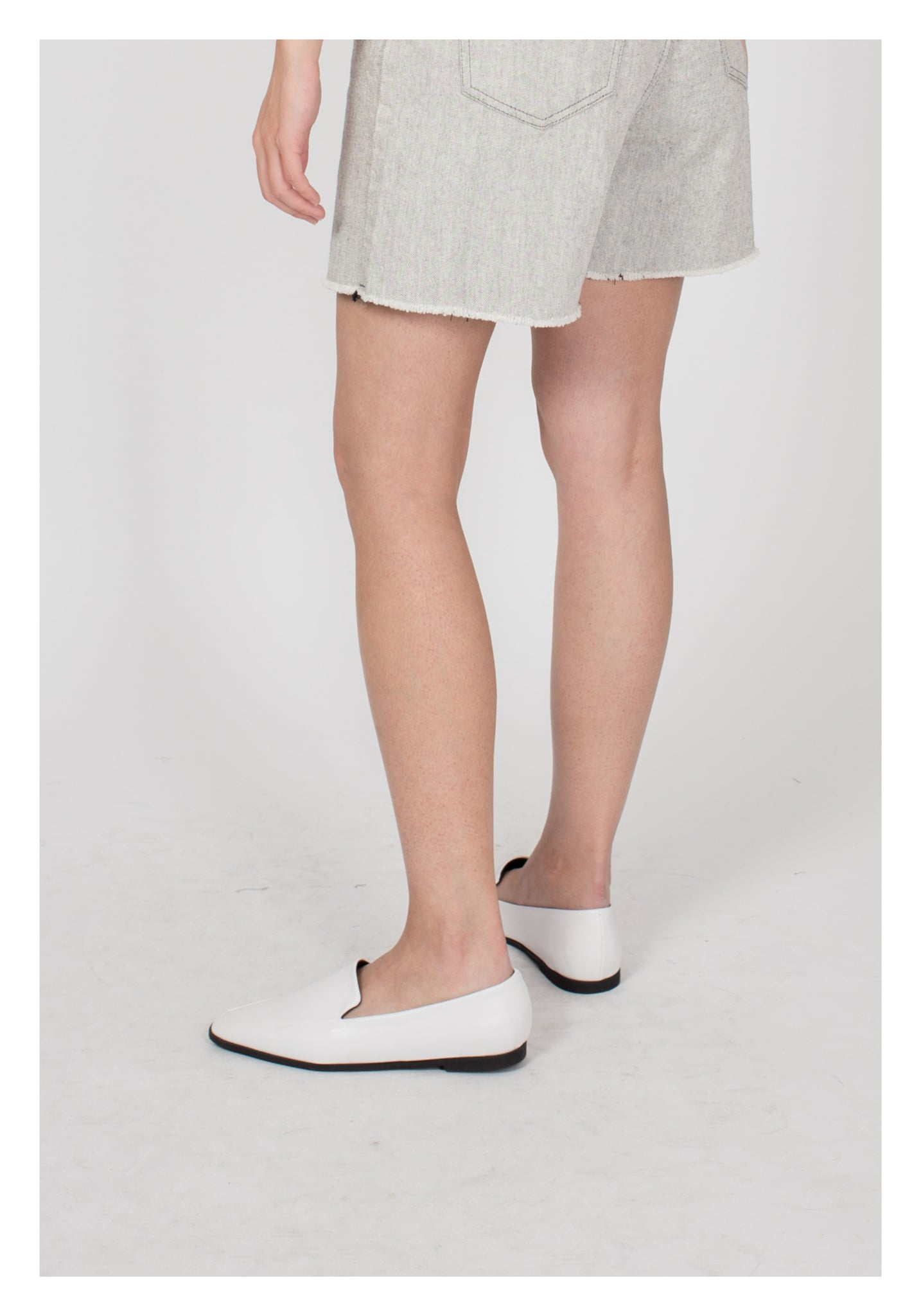 Pointed Slim Loafer White - whoami