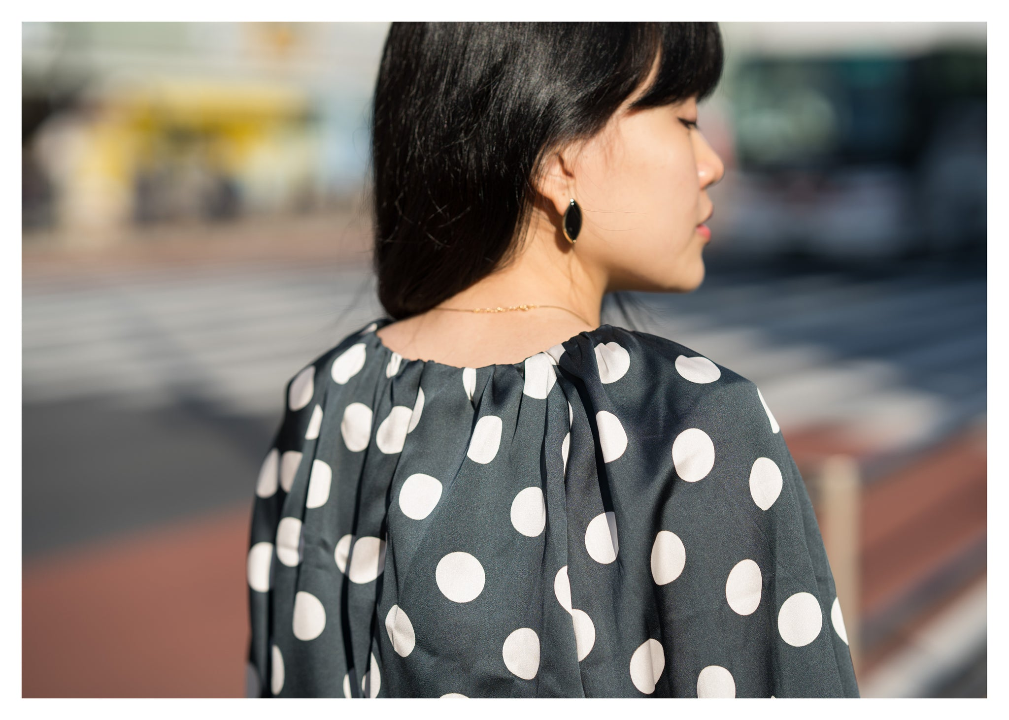 Leave Shape Black Gem Earrings