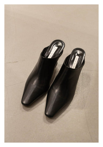 Pointed Cylinder Heels Mules Black - whoami