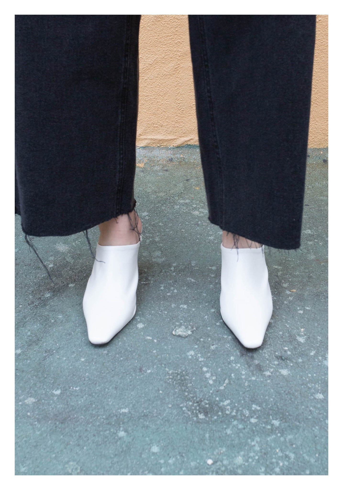 Pointed Cylinder Heels Mules White - whoami
