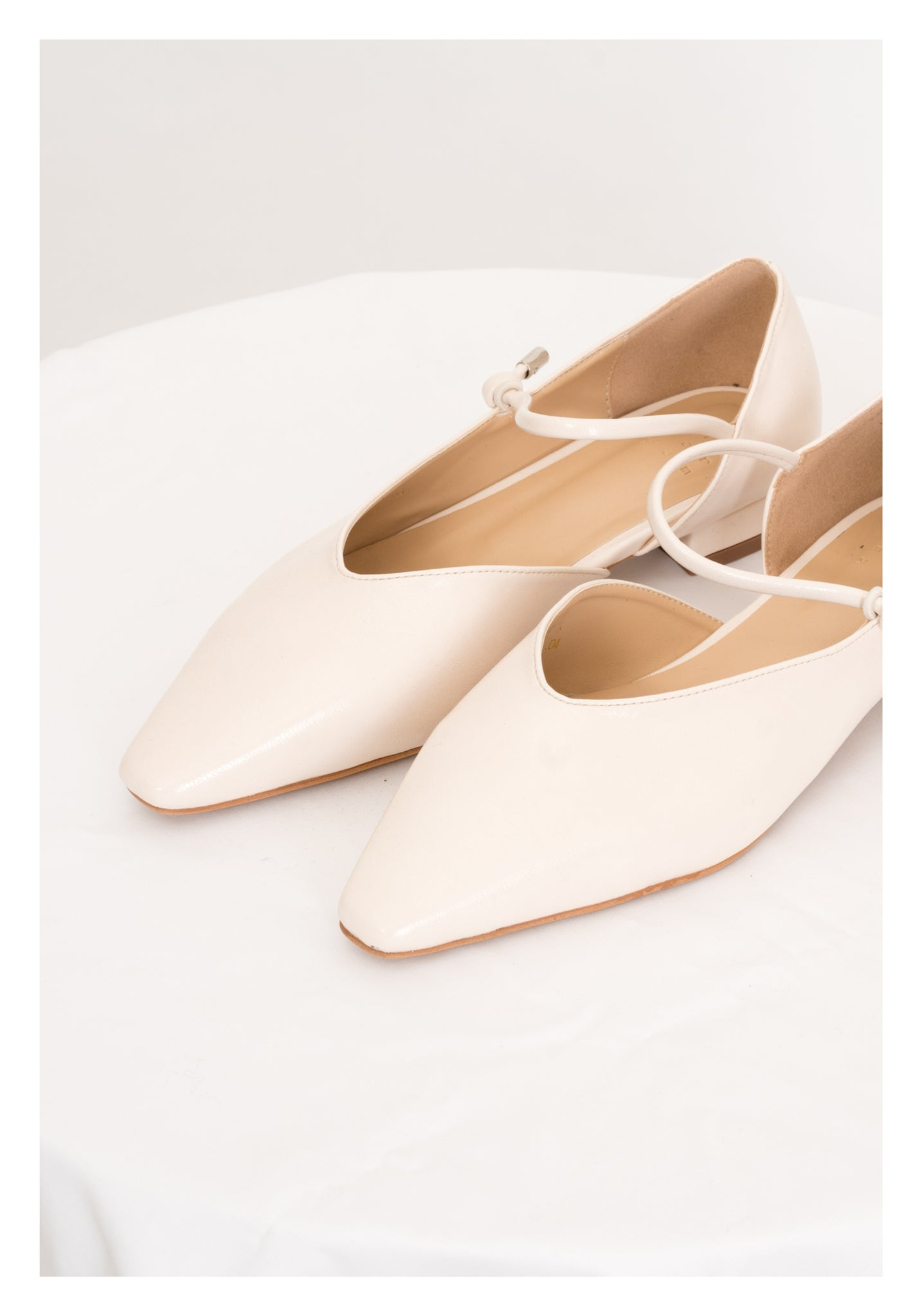 Pointed Strap Shoes Ivory - whoami
