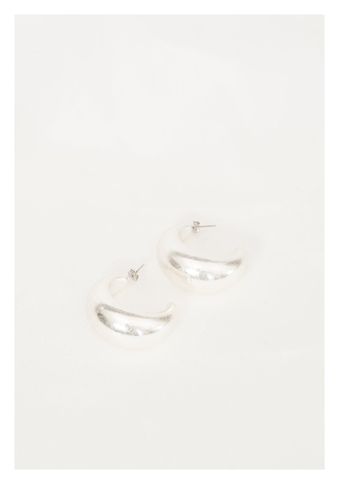 Round Moon Earrings Silver - whoami