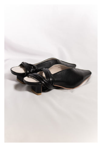Sample Shoes - Tie Double V Mules Black - whoami