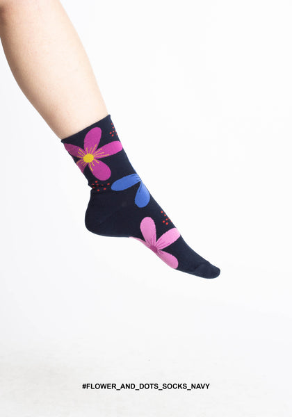 Flower And Dots Socks Navy - whoami