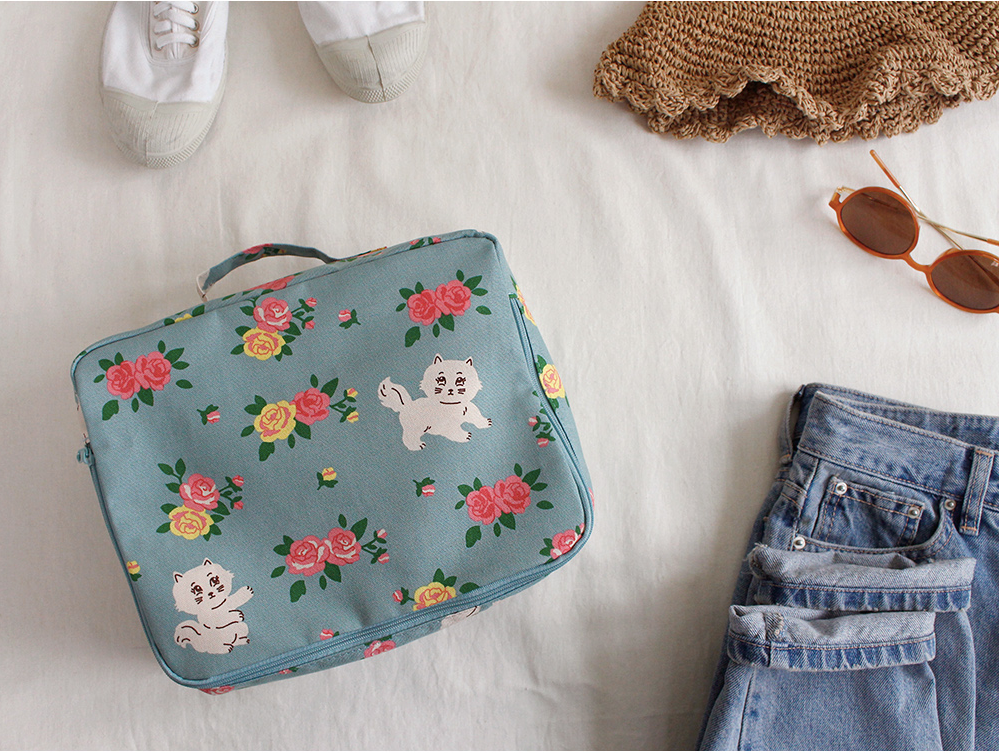 Travel Multi Pouch Kitty And Roses - whoami