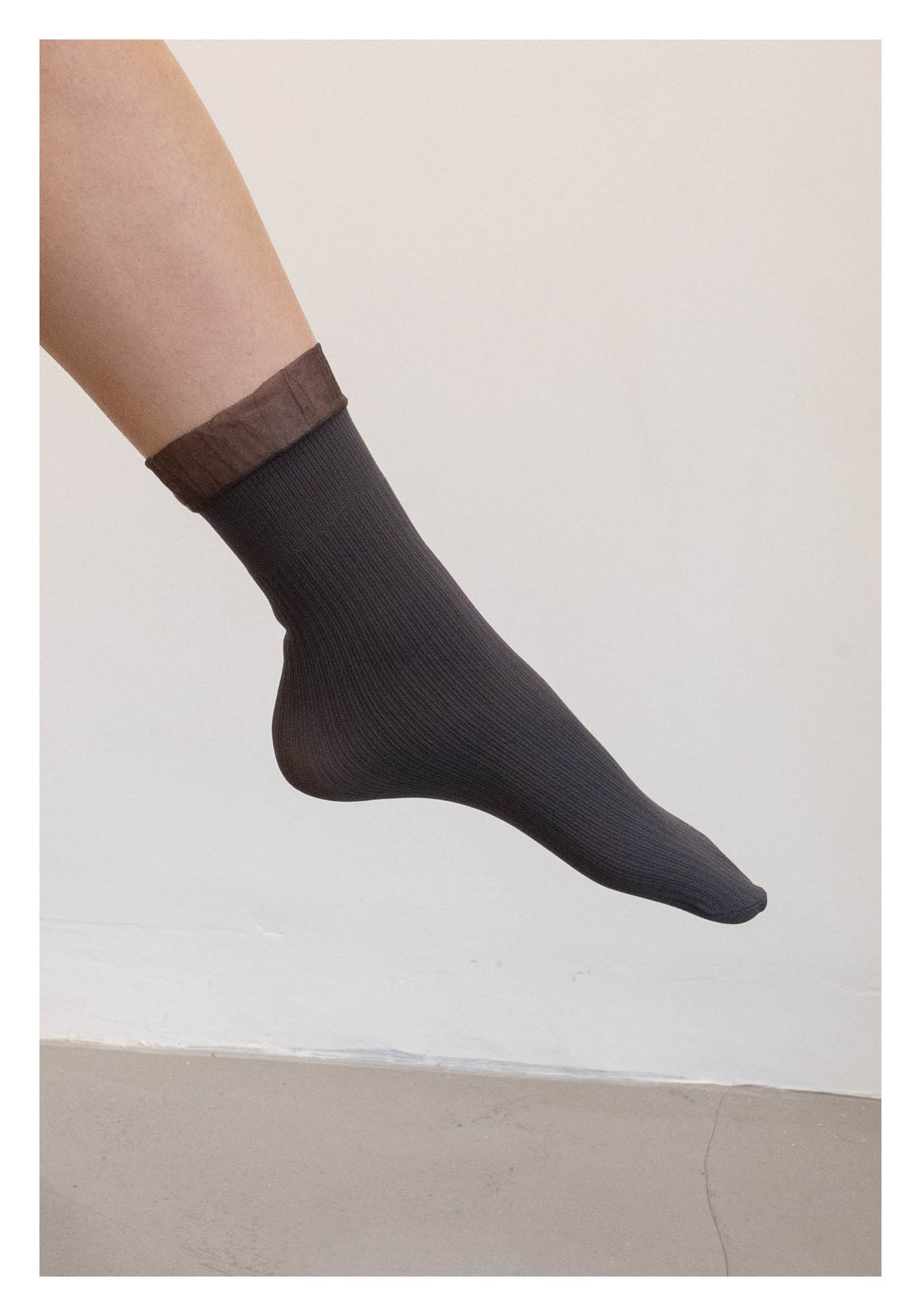 Sheer Hem Ribbed Socks Charcoal - whoami