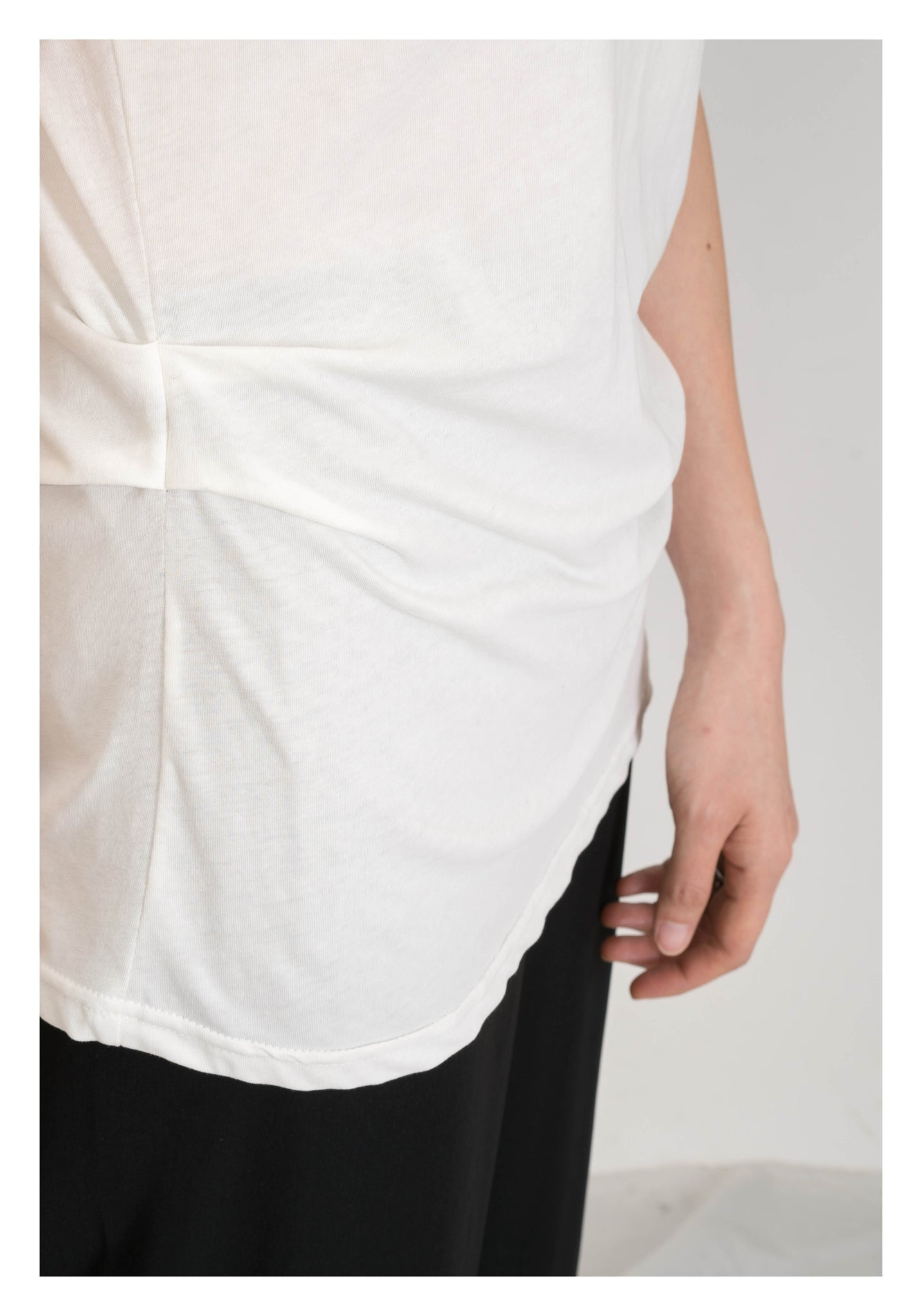 Side Lift Up Tee White